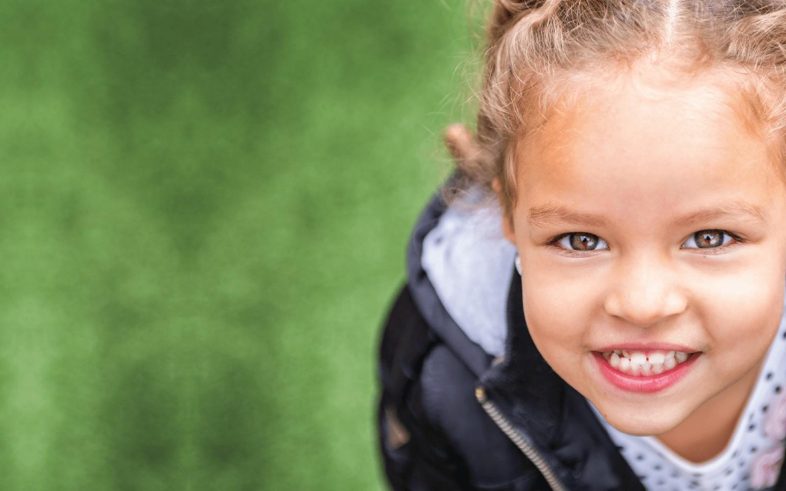 HERO_little-girl-in-field